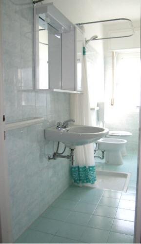 Bagno - Appartamento bicamere in affitto a Grado Città Giardino