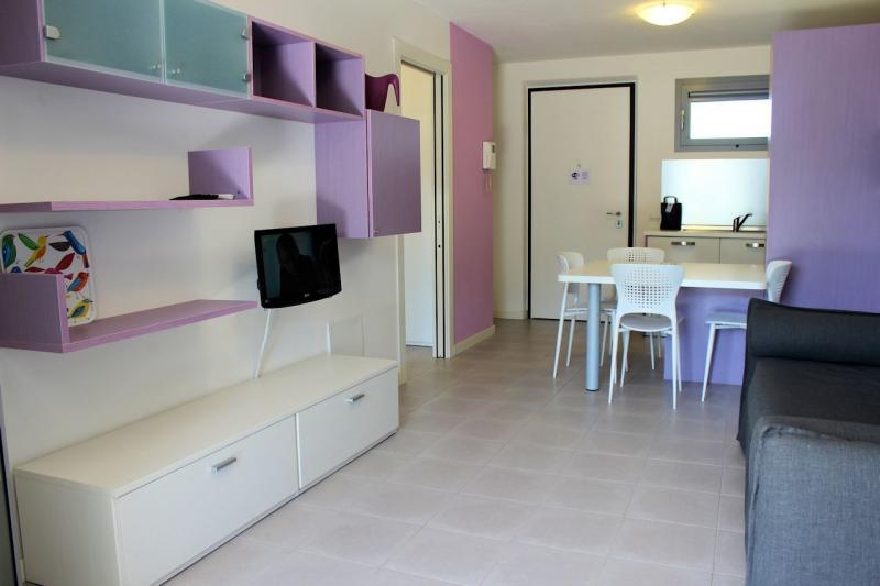 Soggiorno - Appartamento monocamera in affitto a Grado Città Giardino
