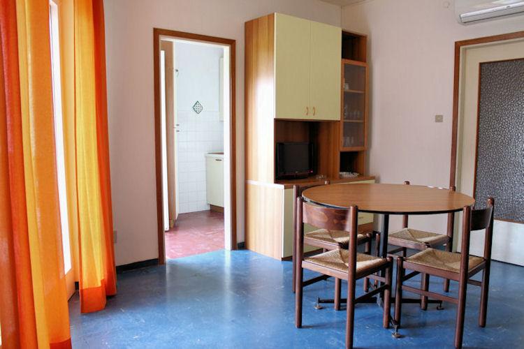 Soggiorno - Appartamento bicamere in affitto a Grado Città Giardino
