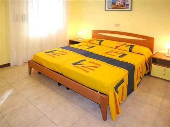 Villaschiera quadrilocale in affitto a Bibione